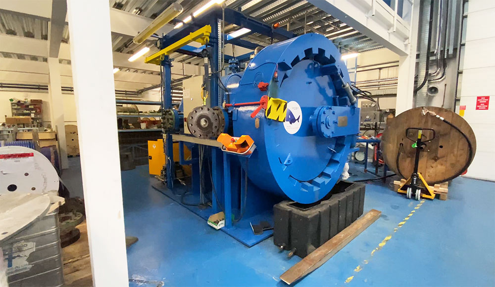 Large pressure testing vessel (Moby)